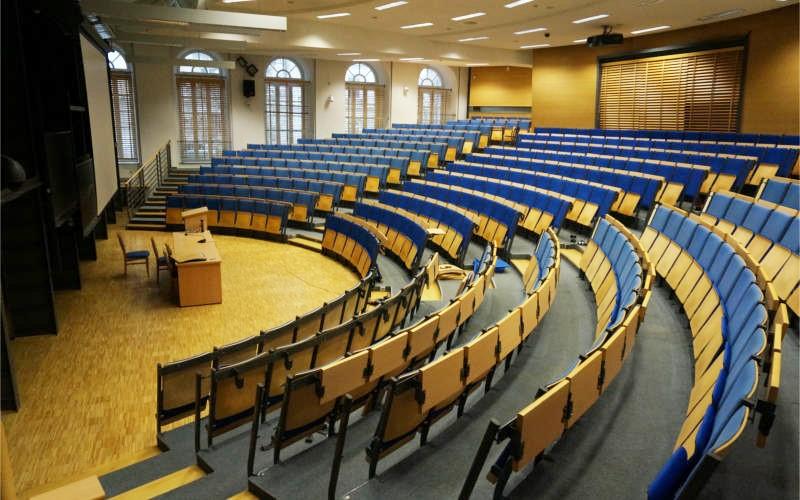 biblioteka-uniwersytetu-warszawskiego-3