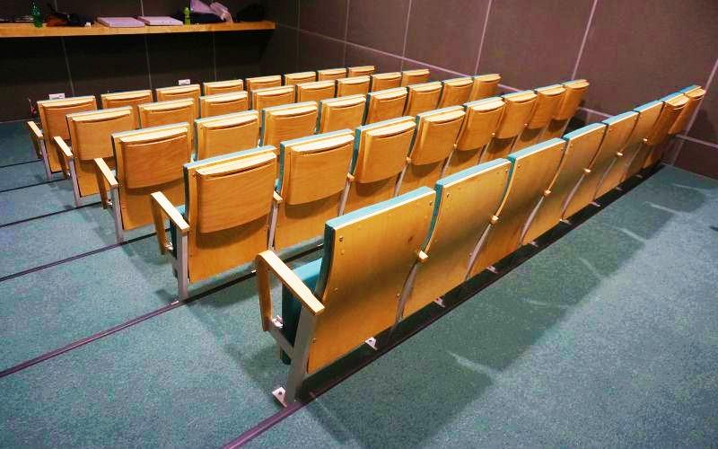 pawilon-edukacyjny-bialowieza-fotele-1