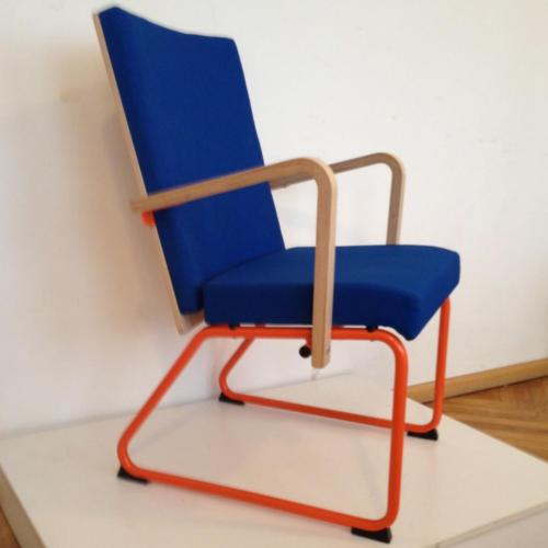 krzeslo-ku-z-pulpitem-wzor13-1