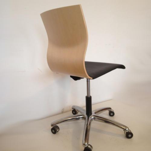 krzeslo-ku-z-pulpitem-wzor17-2