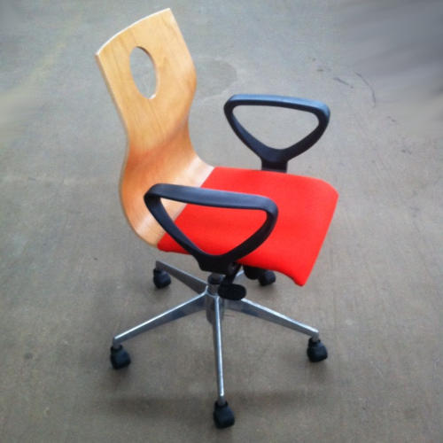 krzeslo-ku-z-pulpitem-wzor18-1